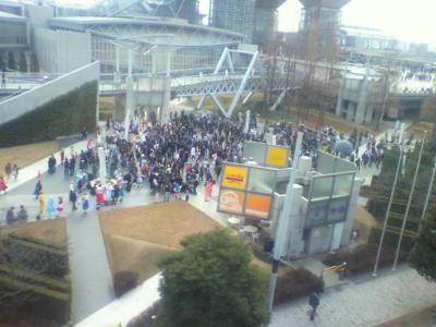 コスプレ広場。あれ人少なくね?