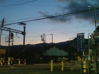 夕暮れ。山の稜線がきれいだったのでぱちり。