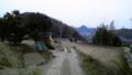 岡山県の旧実家近くの風景。相変わらず未舗装だが側溝の整備 が行わ