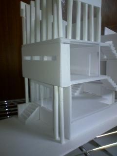 弟が設計した家屋のミニチュア