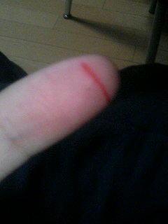 彫刻刀で指きった(笑)