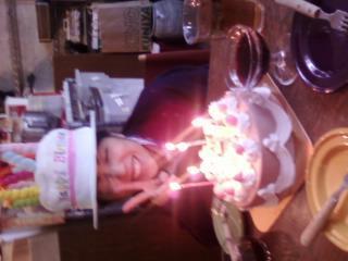 お店のスタッフに誕生日会をしてもらったなう☆嬉しい!です〜(o^v^o)