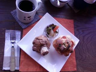 Lunch Time 11:30am〜14:00pm お食事マフィン+Sweetマフィン+Drink→¥1050☆な