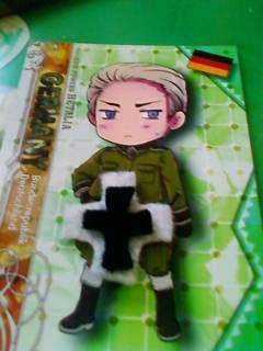 もう…縫い合わせていいよね…ドイツ騎士団のマークを縫い合わせてい