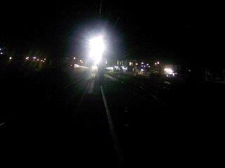 本気で駅の周りに駅の明かりしかない