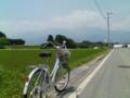 自転車に乗ってどこまで行っても山はそこにある。ここは伊那盆地。わ