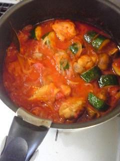 今日の夕飯。鶏のトマト煮込み!