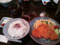 名古屋川名キッチン比呂野のとんかつ定食。味噌と塩の二種類でいただ