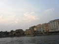 ベネチアンゴンドラから。昼間は殺人的暑さ(&紫外線量)でしたが、夕