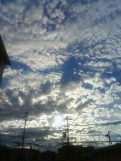昼間に撮った空。なんか神秘的だったのです(´・ω・`)