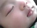 今朝4時ごろ、ベビーが、パパが起きる程ぐずり、たらふくオ ッパイ