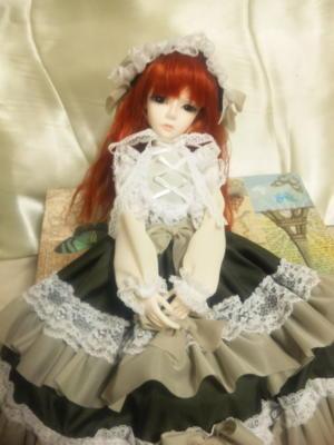 ※お人形注意 恋鞠堂さんのクラシカルリボンのオリー ブグリーン受け