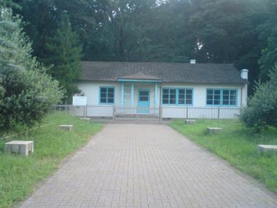今朝散歩した代々木公園には、東京オリンピックの選手宿舎が記念とし