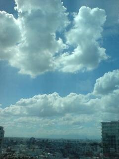雨雲アラームがでている品川の空。真夏?