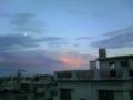ソムチャイでガッパオ食べた帰りの空に虹の柱♪なんかラッキーかも。