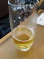 ビール 羽田ラウンジなう。朝からビール!!でもすきっ腹(´・ω・`)