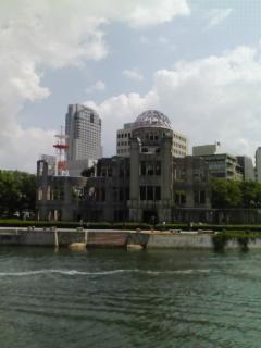 広島市内観光中。旧広島市民球場→原爆ドーム→平和記念公園→平和記