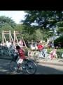 小金井公園。夏休みのような賑わい。親子連れが楽しそうに遊んでる。