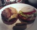 ゴッサムグリルでハンバーガー完食!お腹いっぱい。。すごいボリュー