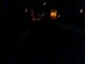 暗い。独りで通るのはこの時間でも怖い