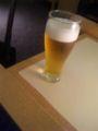 空港ANAラウンジでビール飲む。