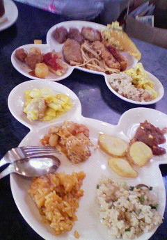 ネズミ国のクリスタルパレスでお昼食べたなう!