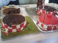 カットされた工場萌えウェディングケーキ