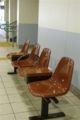 駅の椅子…。かわいいな。…まだまだ数字とにらめっこしています …(