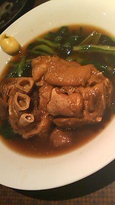 沖縄料理屋さんいったよ!ティビチと海ぶどうとミミガーだいすき♪