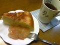 林檎ケーキ☆ジャム添え   久しぶりの母パティシエ!