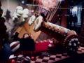 銀座エルメスのディスプレイめっちゃかわいい。お菓子モチーフ。大砲