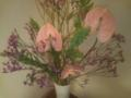 [今週の花]雲龍柳、スターチス、鶏頭、アンスリウム。いつもながら遅くまでやっ