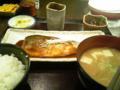松乃屋でトロ鯖味噌定食+豚汁セット。つい、さくら水産に行きかけた