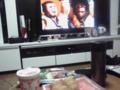 今日の夜ご飯はカップ麺といなり  オカズに兄貴  寿司は食べるなだそ