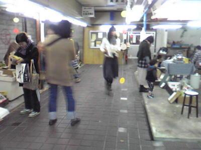 奈良の大門市場で一箱古本市開催中です