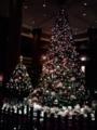 ホテルロビーのクリスマスツリー