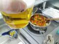 ベーコンと野菜のトマトスープを作りながらキッチンドリンクなう。ツ