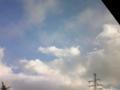 今多分長野から山梨の辺り、まだ標高高そう。空が近くて雲が掴めそう