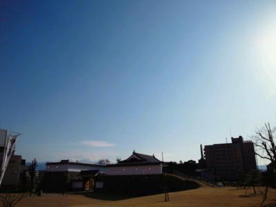 パパラッチなう。残念ながら富士山は雲に隠れて見えず