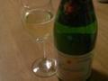 結局、スパーリングワインを開けました。