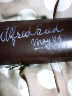 これがアルフレッド・リードのサイン。自分でも書けそうだ(笑)