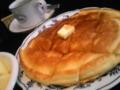 これは夢か(⊃∀⊂)朝ごはんにホットケーキでてき た!