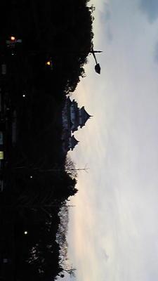 ピアノおわった。はやあい。帰りにとった和歌山城の夕暮れ
