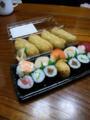 今日のお昼ご飯。このお店の山葵いなり寿司が美味しくてつい買っちゃ