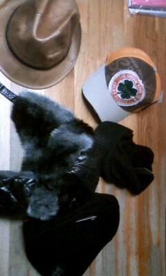 家に着いたら、楽天で買った帽子の福袋届いてた!ひゃっへーい(`・ω