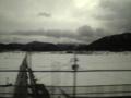 新幹線車内にて。さ、寝よ、と思ったら、窓外一面銀世界。(by中川敬