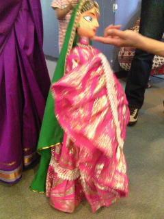 インドの人形劇。伝説の生き物、龍が印象的〜〜