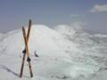 シャクナゲ岳の山頂からの眺望。左からチセヌプリ、ニセコアンヌプリ
