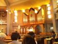教会でバッハ演奏会を鑑賞中。普段会っている音科の子たちが実はすご