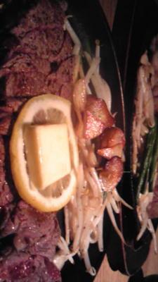 西山亭とコートダジュール。おはしで切れるくらいのヒレステーキ。